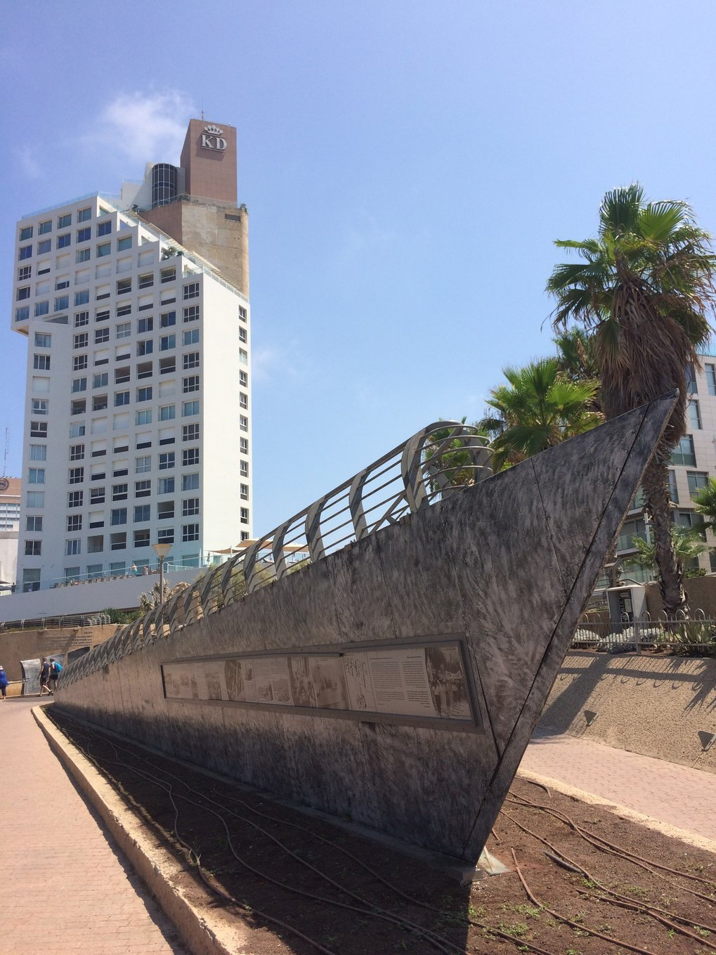 A monument in the form of a ship's hull at London Square in Tel Aviv commemorates the waves of Jewish immigrants and their helpers. The names of the ships who transported more than 100,000 illegal immigrants (Ma'apilim) from Europe to the former British mandated territory which later became the State of Israel can be seen from six metal plates. © Oliver Sukrow